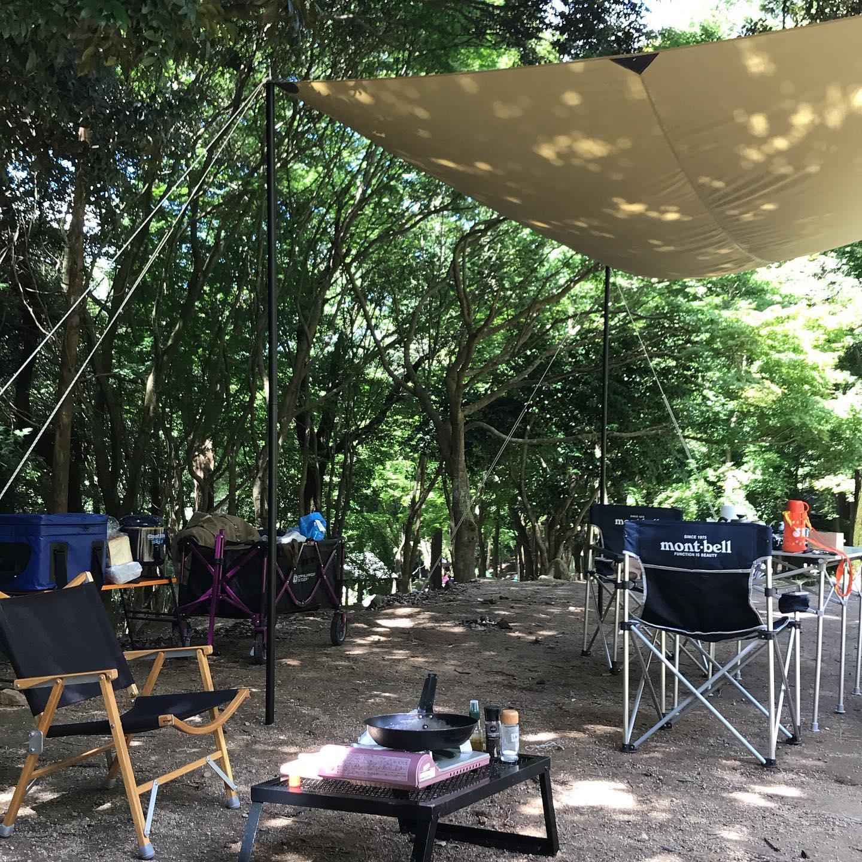 今日8/9はお休みいただいてデイキャンプ!森の中でゆっくり肉焼いてます。木陰は涼しい風が吹いてますー明日8/10もお休みです。#イルフェソワフ #ワイン#日本酒 #薬院#警固#昭和の森
