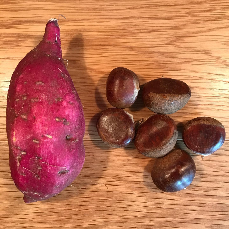 栗と安納芋を炊き込みごはんに❣️今だけよ今日10/6も17時より営業してます。#イルフェソワフ #ワイン#日本酒 #薬院#警固#栗と安納芋の炊き込みごはん