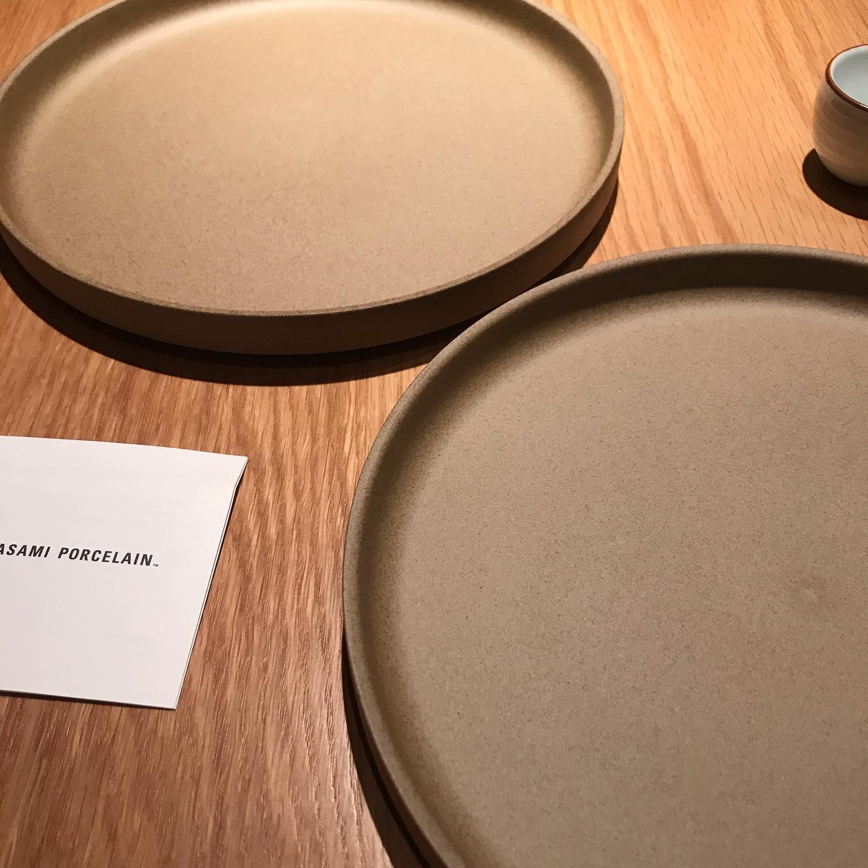 波佐見の西の原にて素敵なお皿を発見!連れて帰りました。#イルフェソワフ #ワイン#日本酒 #薬院#警固#波佐見焼#西の原#南創庫#白山陶器