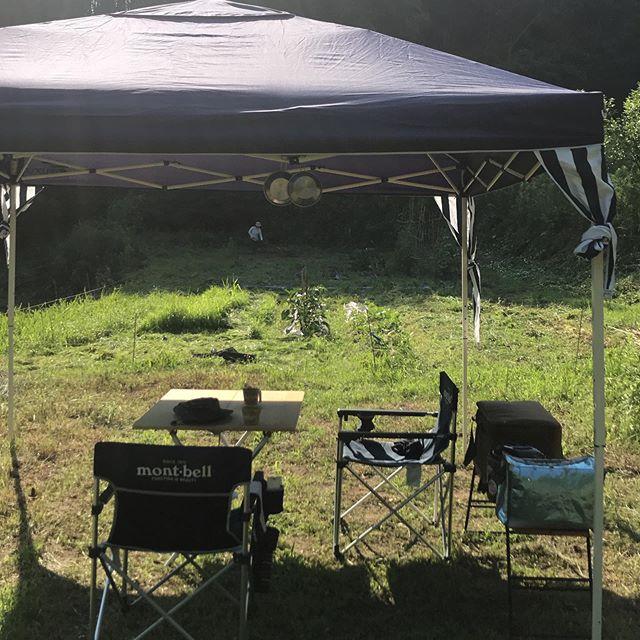 本日6/21は日曜日でお休みいただいてます。最近定番化して来た畑デイキャンプ。なんとなく装備も充実してきたなあ。明日6/22は17時から営業してます。#イルフェソワフ #ワイン#日本酒 #薬院#警固#畑デイキャン